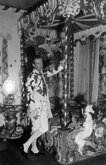 Cecil Beaton at Home - Ashcombe and Reddish